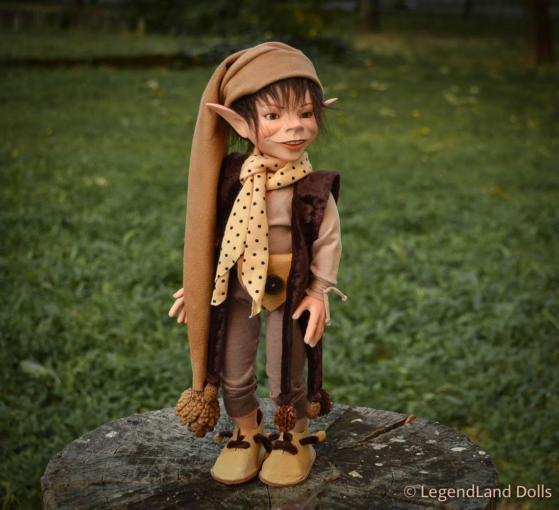 Kobold figura - Konrád a filozófus kobold | LegendLand Dolls