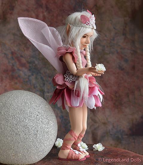 Tündér figura - Lucinda a remény tündére   LegendLand Dolls