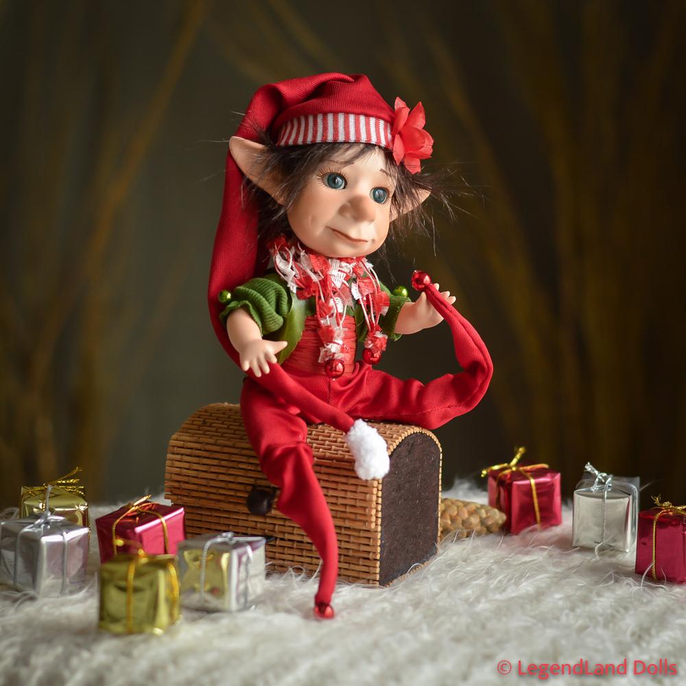 Karácsonyi manó figura: Zénó - apró Mikulás segéd | LegendLand Dolls
