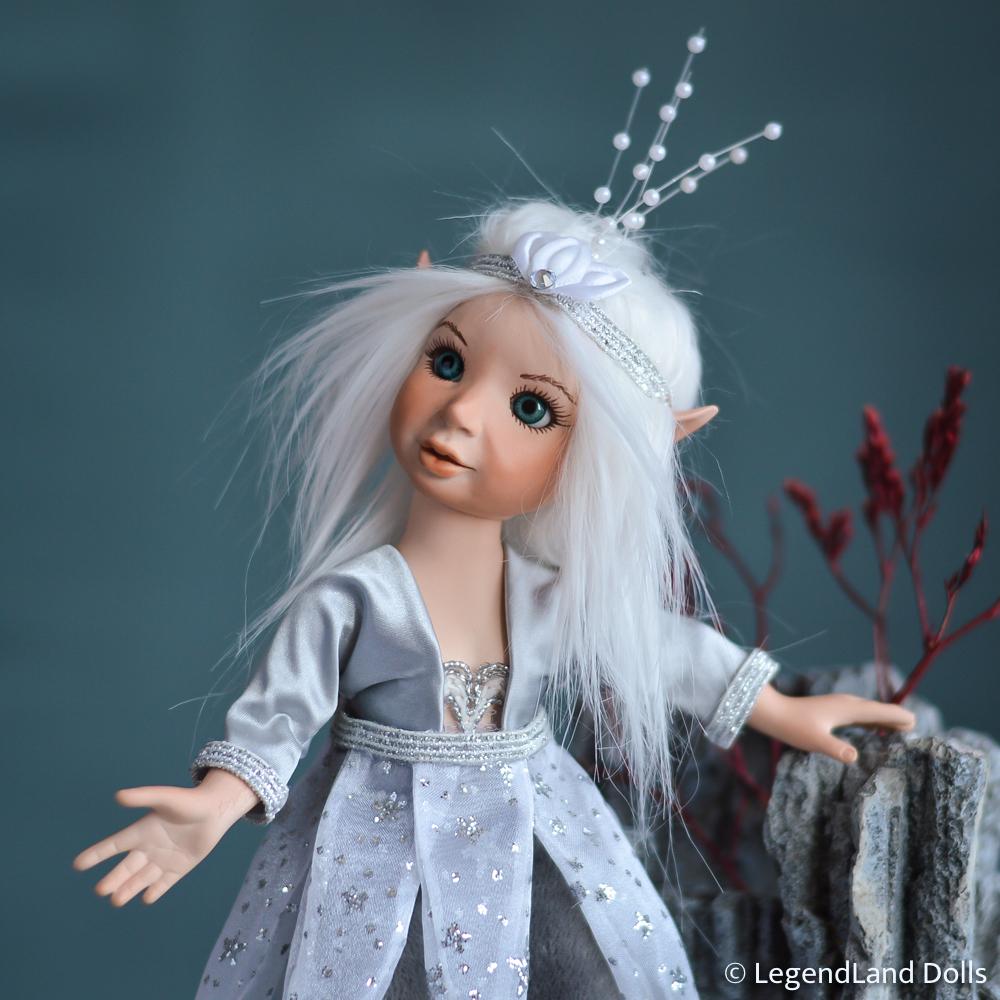 Elf figura: Helmi - csillagász elf | LegendLand Dolls