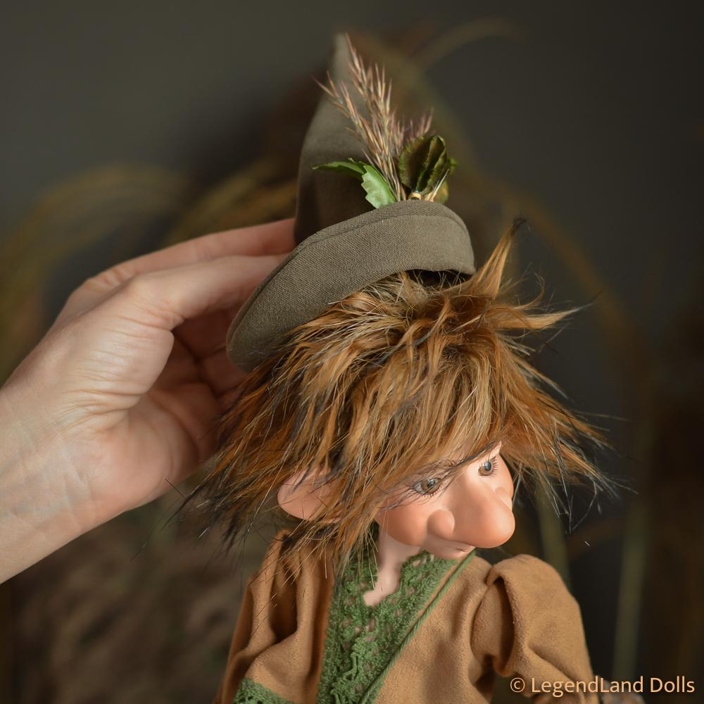 Manó figura: Vilho - mezőőr manó   LegendLand Dolls