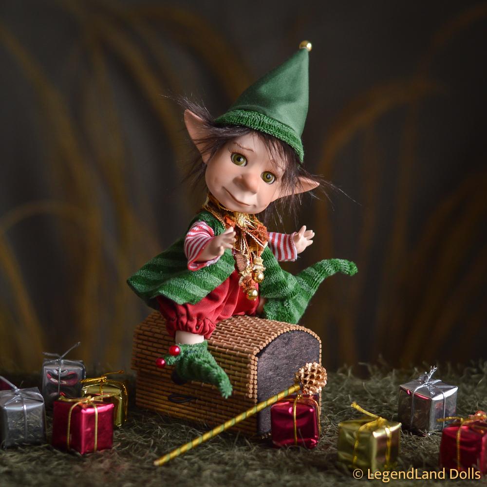 Karácsonyi manó figura: Vini - Mikulásgyári tanonc | LegendLand Dolls