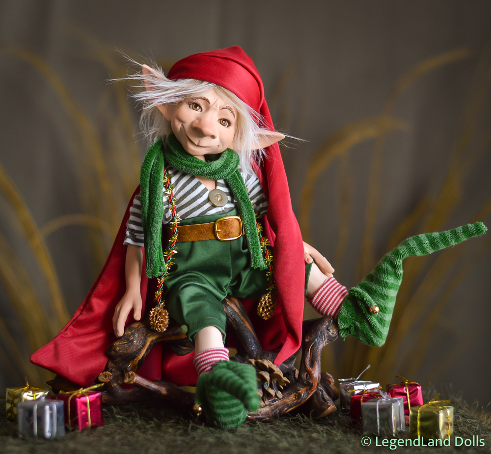 Karácsonyi manó figura: Vitold - Mikulásgyár vezetője | LegendLand Dolls