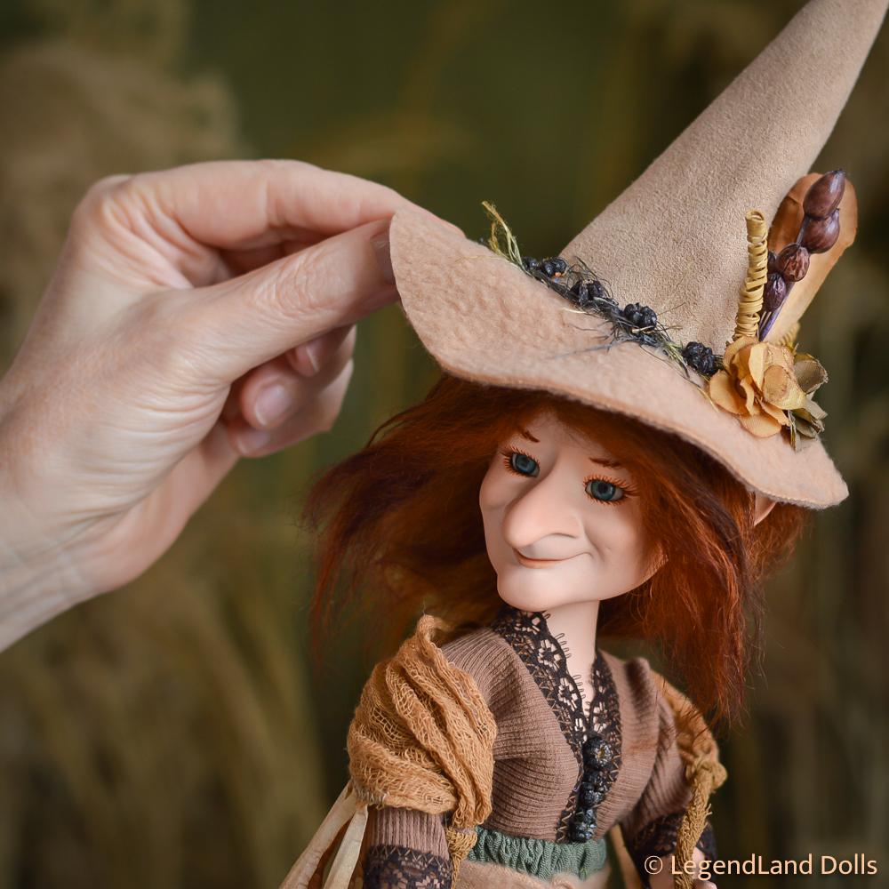 Boszorkány figura: Salome - bizakodó boszorka | LegendLand Dolls