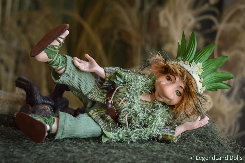 Manó figura: Kosumi - bohókás manó uraság | LegendLand Dolls