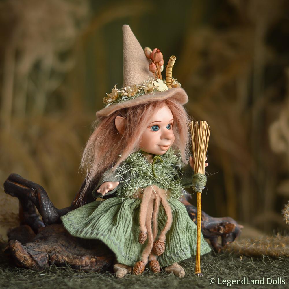 Boszorkány figura: Sybil - bátor kis boszi | LegendLand Dolls