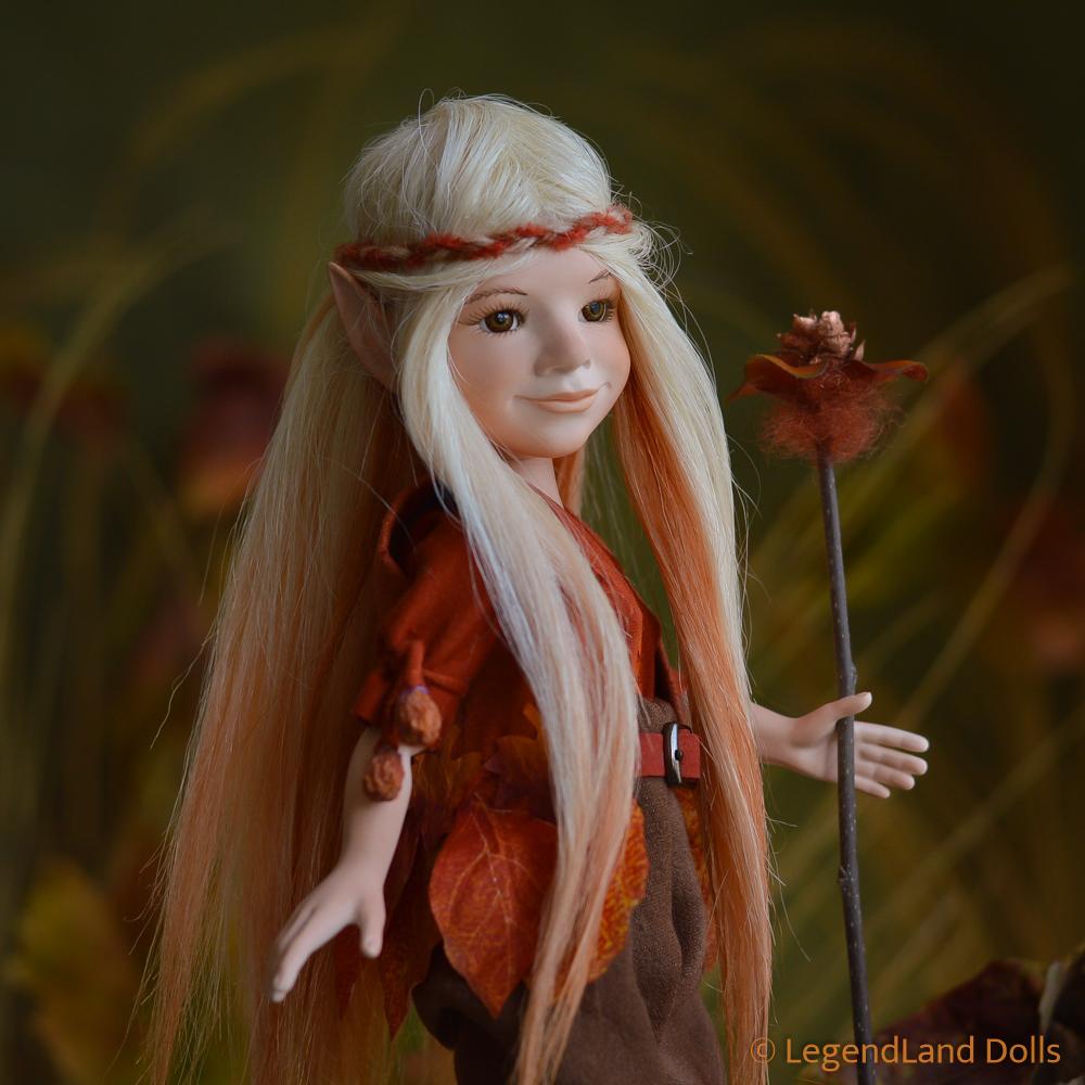 Elf figura: Halina - lombfestő elf   LegendLand Dolls